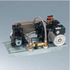 Centrala termica pe gaz Viessmann Vitopend 100-W 30 kW cu tiraj natural vedere bloc hidraulic